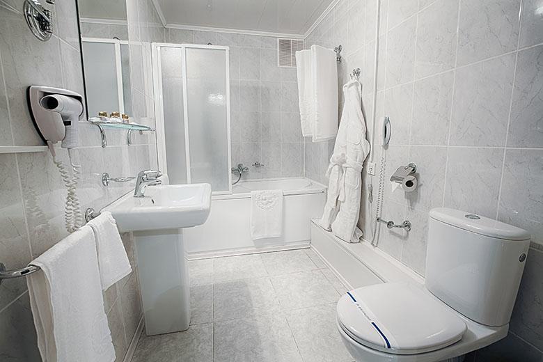 Construction et rénovation de salle de bain à Vaudreuil-Dorion - Plomberie M-G SERVICE inc. à Les Côteaux