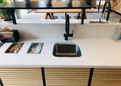 Installation d'évier au Columbus Café à Montréal - Plomberie MG Service