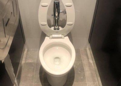 Installation de toilette pour salle de bain à Montréal - Plomberie MG Service