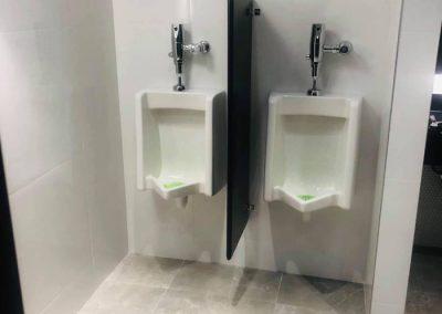 Installation d'urinoirs pour salle de bain à Montréal - Plomberie MG Service